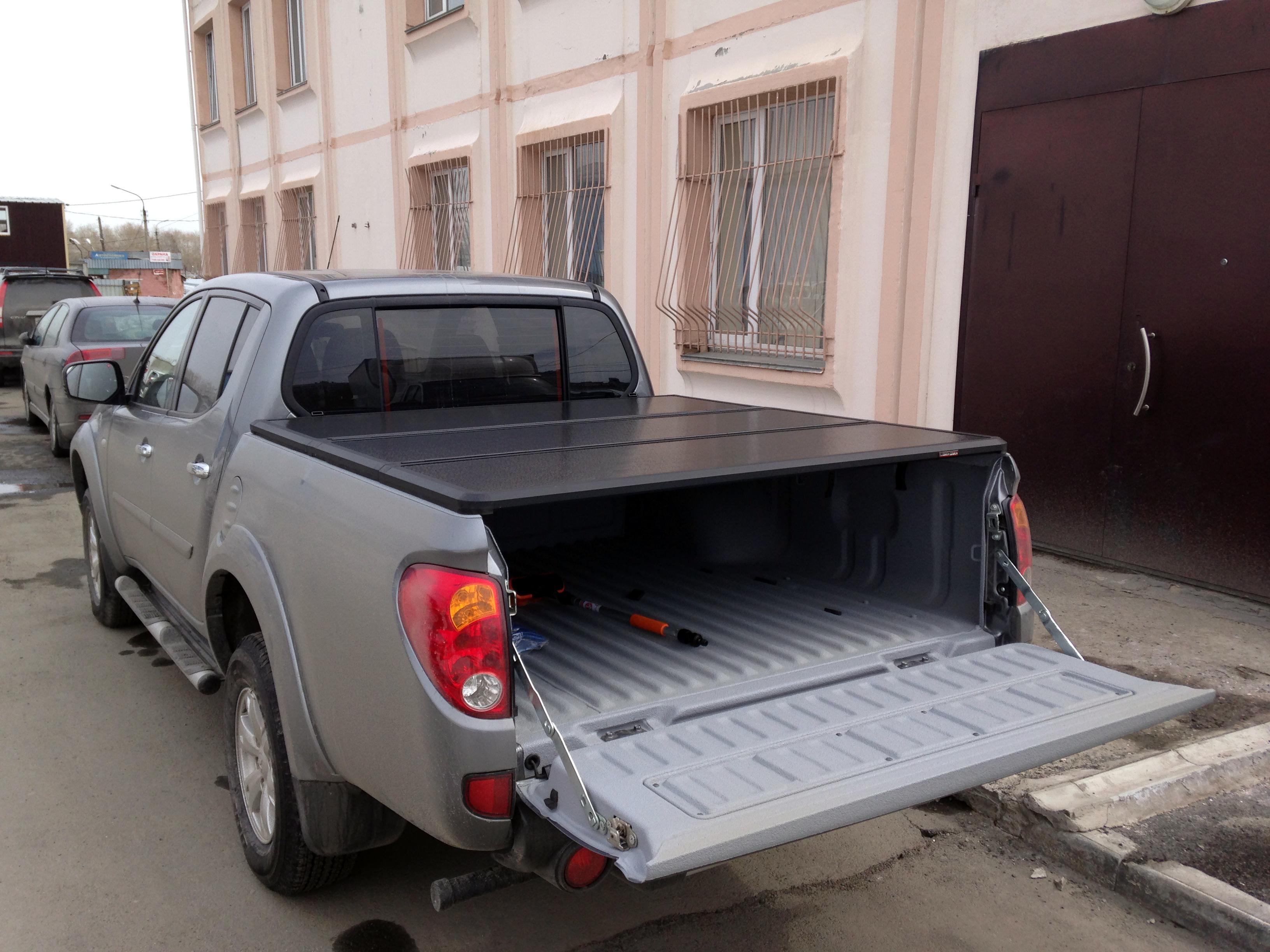 пластикова защита для багажника митсубиси эль200